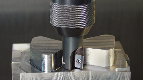 90-degree Square Shoulder Milling: Choosing the Right Insert Grade & Geometry for Your Application